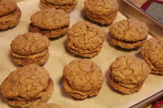 Oatmeal Cookies with Peanut Butter Cream Filling ...