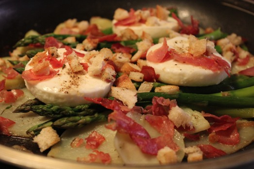 Eggs with Asparagus and Potatoes.