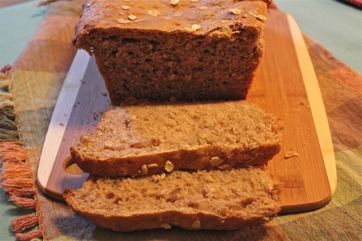 Apple-Oat Cinnamon Bread