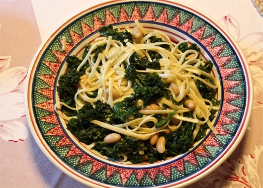 Linguine with Kale and White Beans