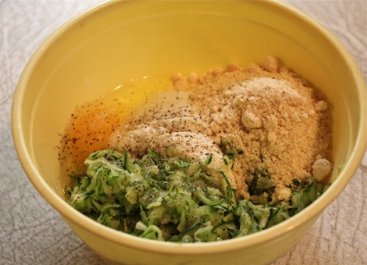 Mix ricotta with the zucchini, Parmesan and egg.
