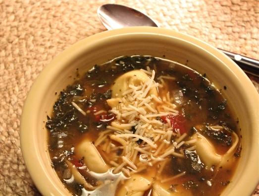 Tomato-Tortilini-Spinach Soup