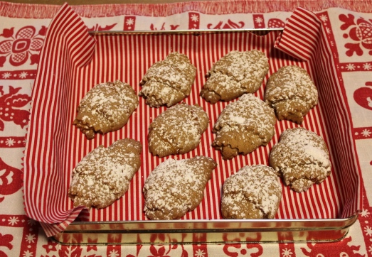 Crescent cookies delicious on a dollar Better homes and gardens christmas special